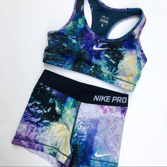 e08e948138 RARE Nike Pro galaxy sport bra shorts set. M 5bbe7c881537958383b38fbd